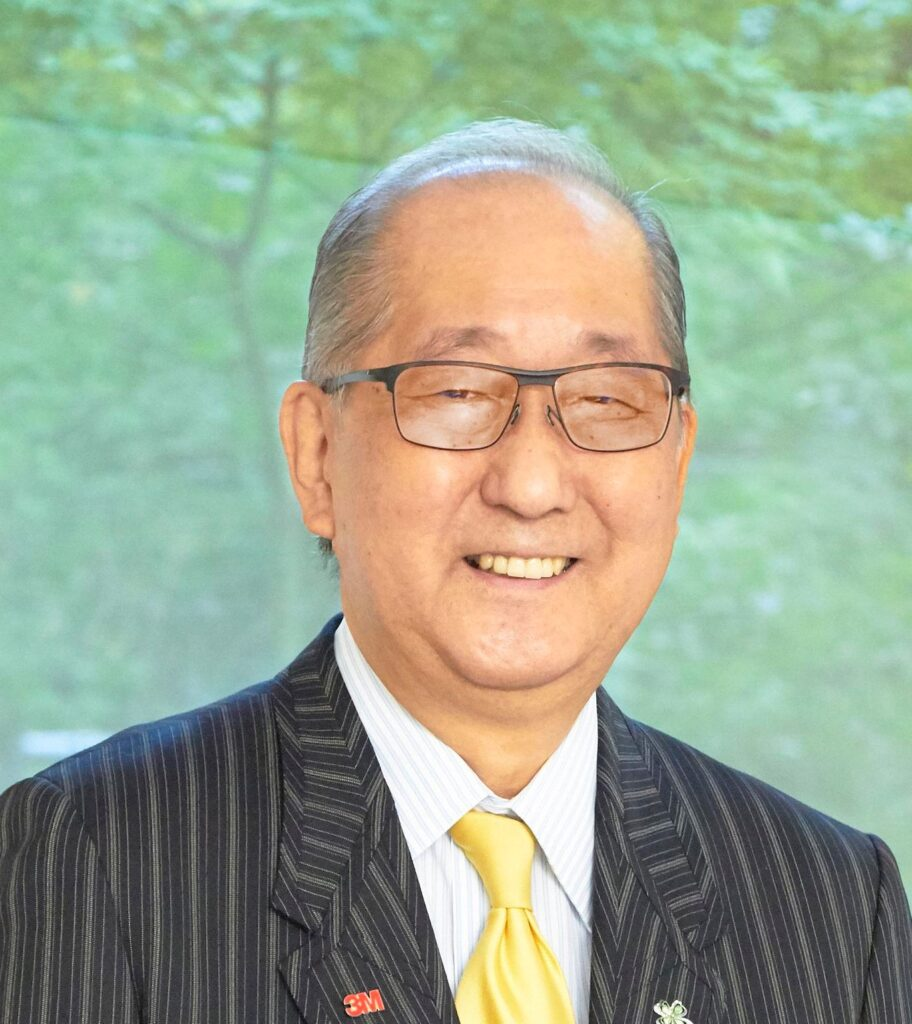 Mr. Masahiko Kon, a leader in finance who survived cancer discrimination in the workplace